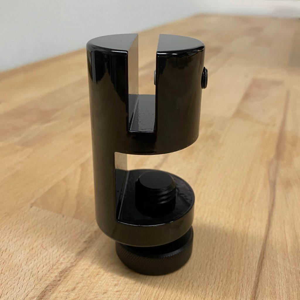 Plattenbefestigung für Spuckschutz von CKO – schwarz